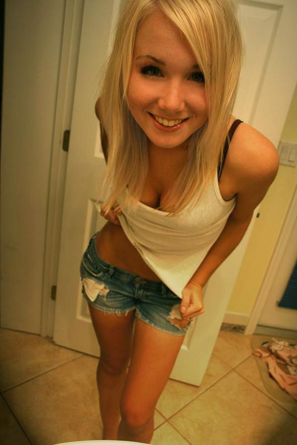 Daijah hairy pussy skinny girl