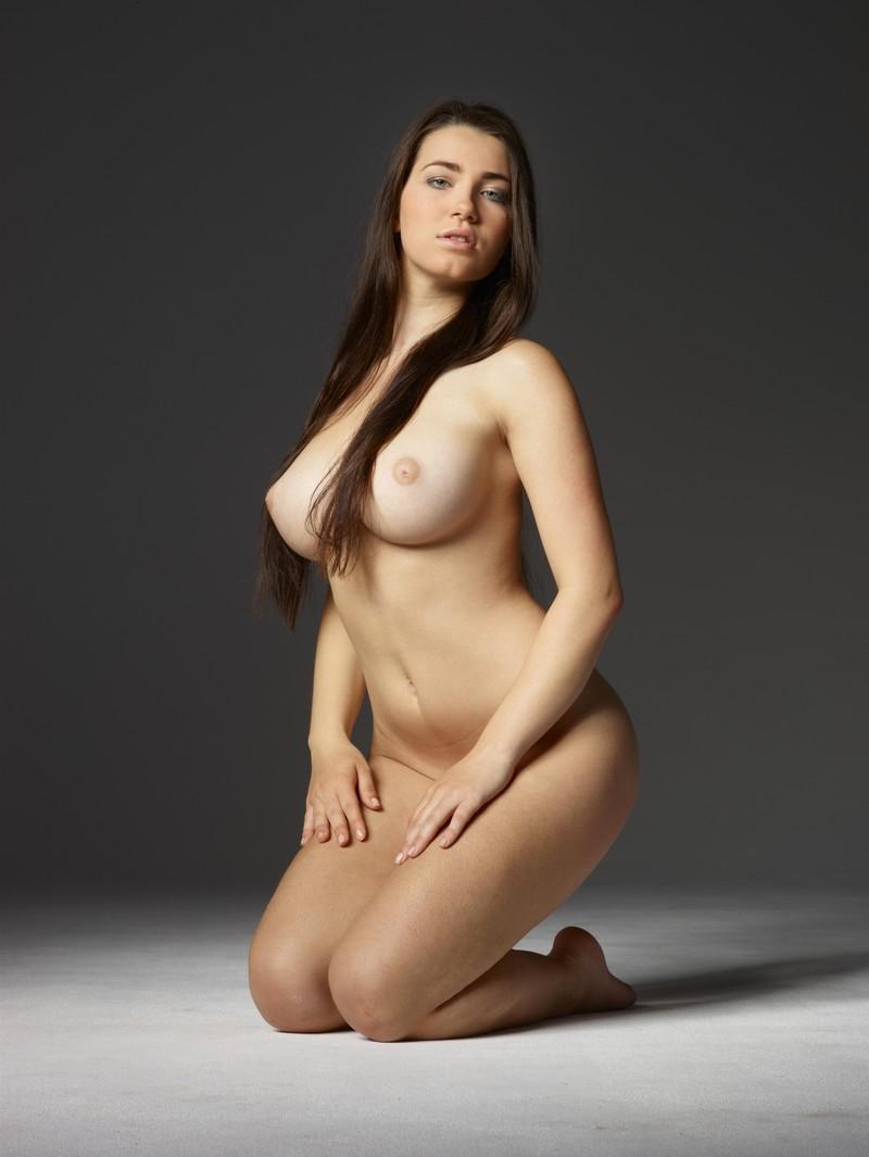 Формами эротика с девушки фото