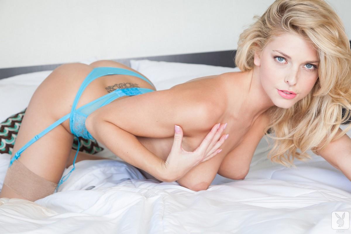 порно смолодыми в ажурном белье