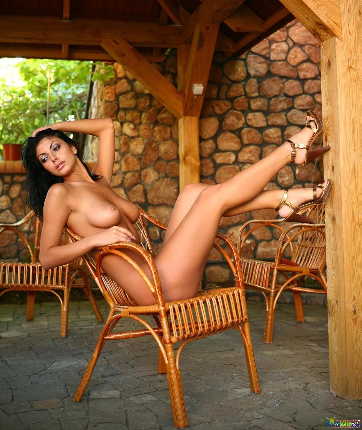 Армянская порно к звезде, берущие в в рот