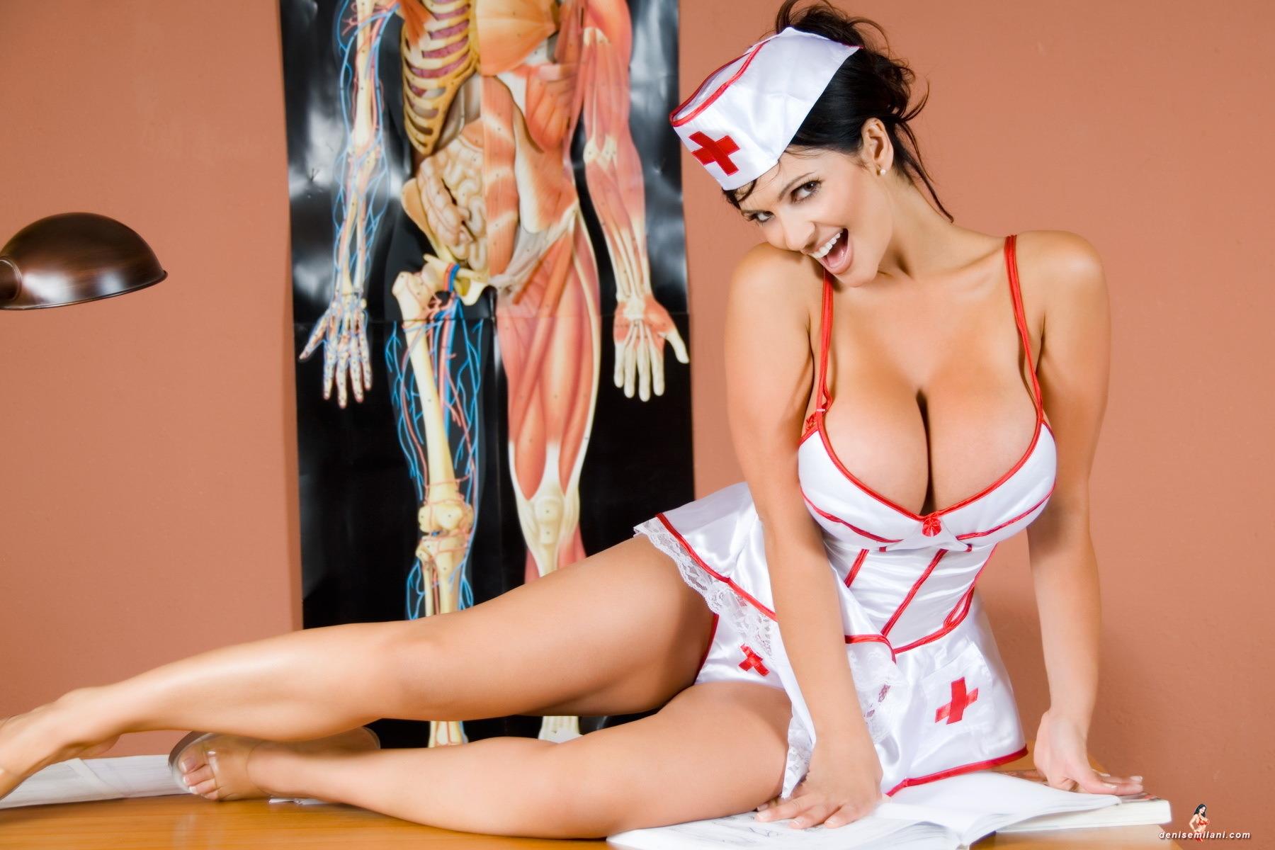 Смотреть порно медсестра с большой грудью 5 фотография