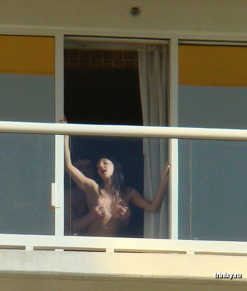 Подсмотренное За Соседями