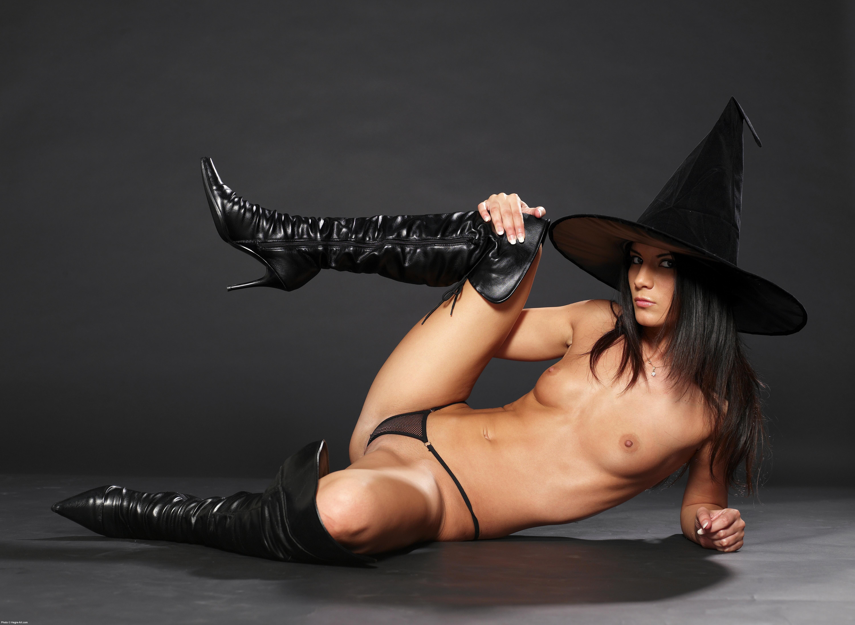 Сексуальные ведьмочки фото 4 фотография