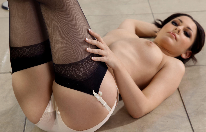 Сексуальная попка и грудь в чулках 28 фотография