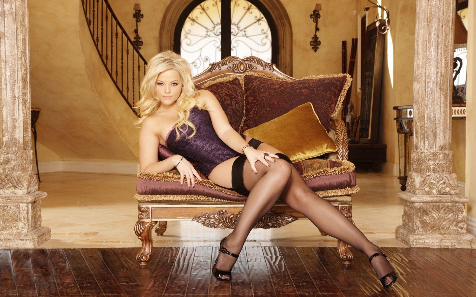 Фото красивых девушек блондинки на красивых каблуков 1 фотография