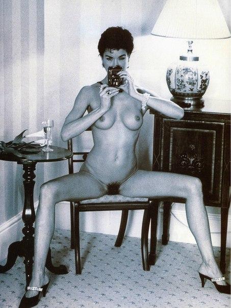голая Анфиса Чехова на эротических фотографиях  раздел