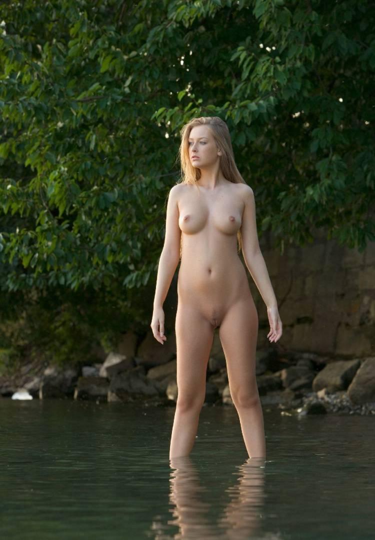 kupayutsya-golie-smotret