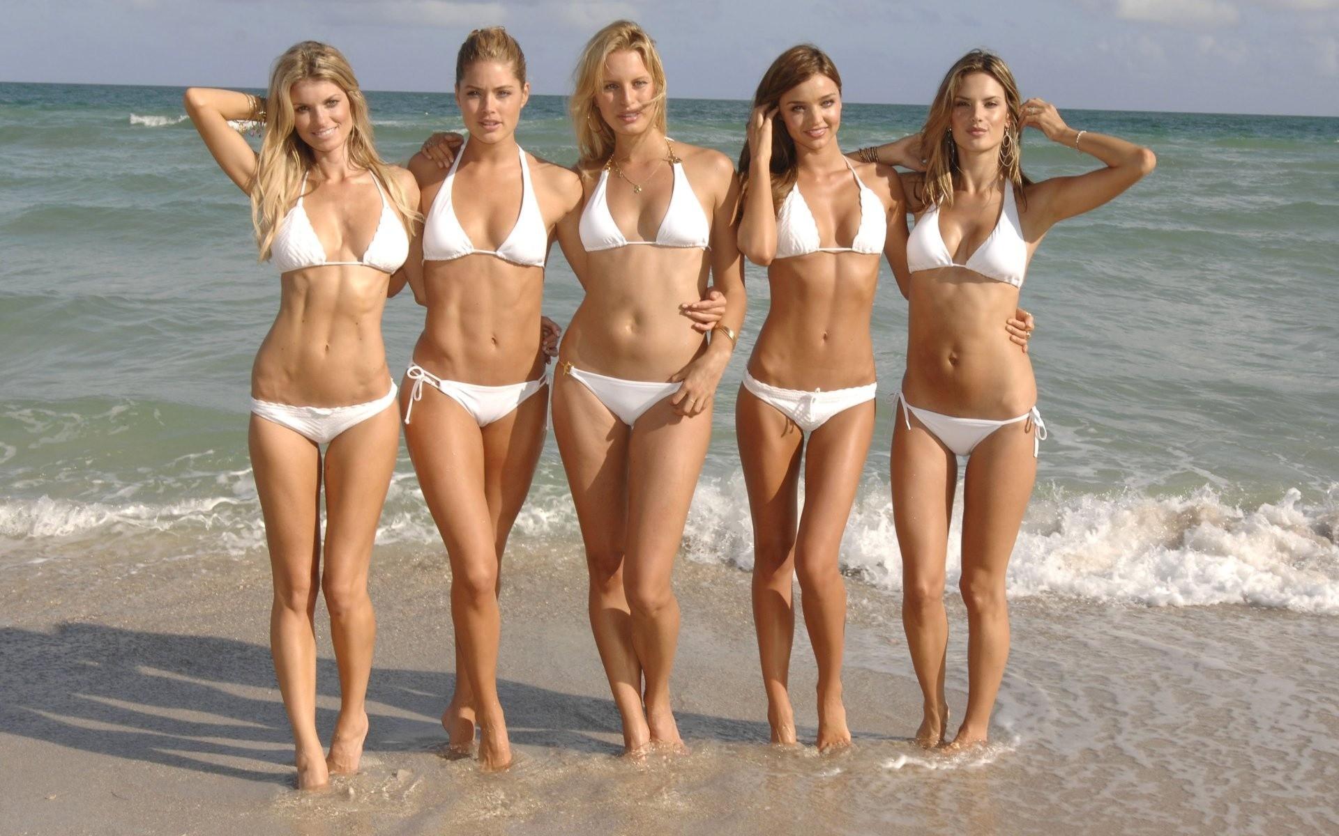 Sexy girls, big ass, пляж, море.