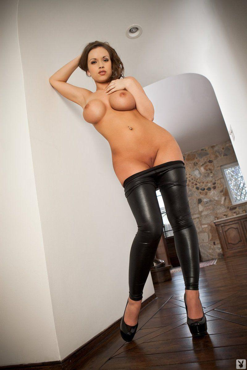 Смотреть порно в черных брюках женщина, минет брюнетка лера