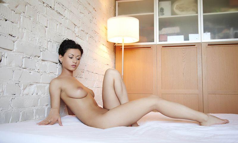 фото голых женщин с короткой стрижкой