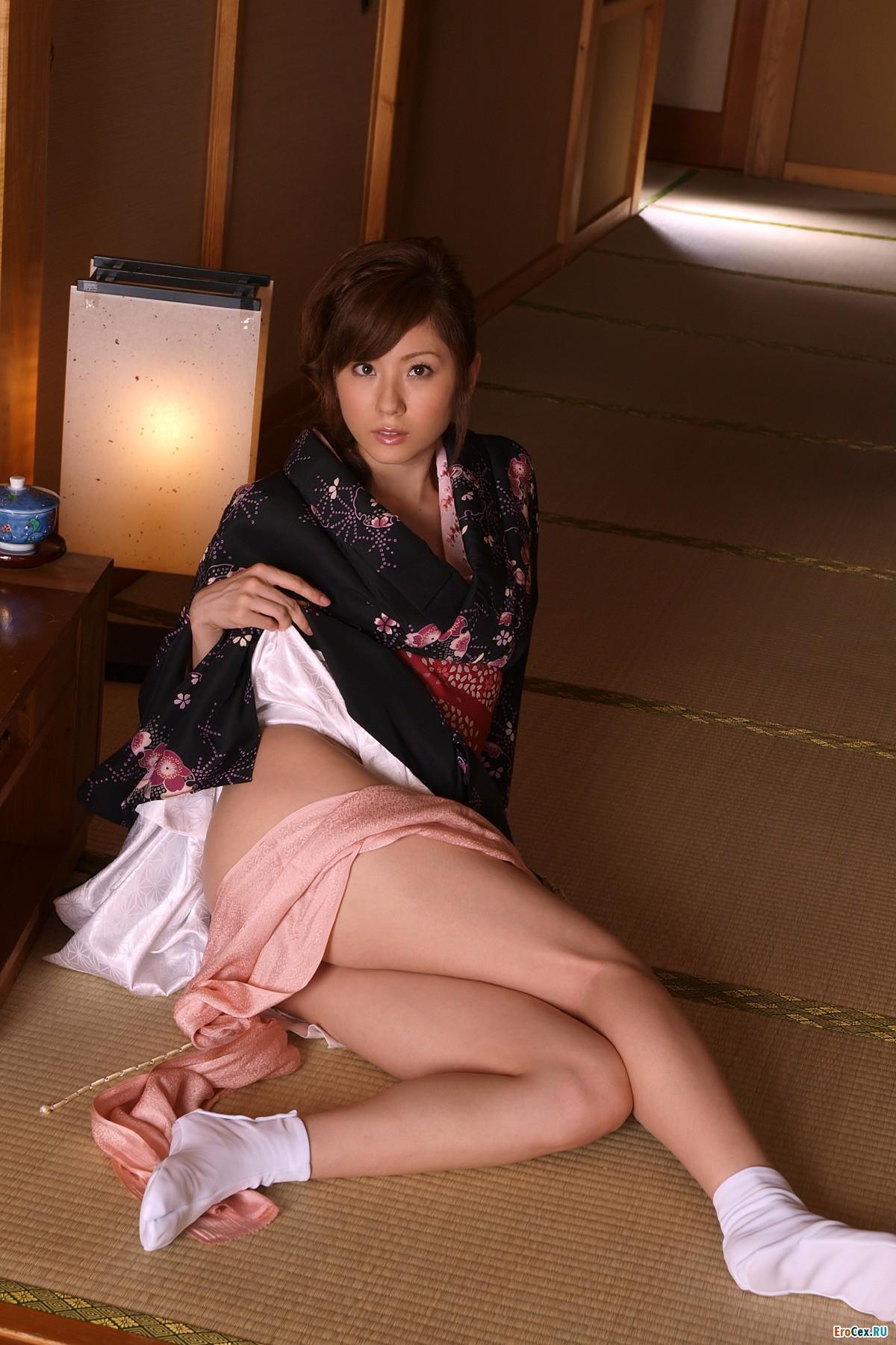 Эротические фото японок в кимано 3 фотография