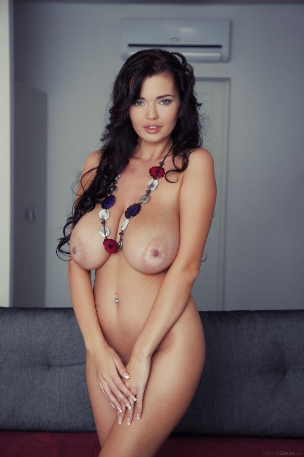 Фото россии большая грудь интим