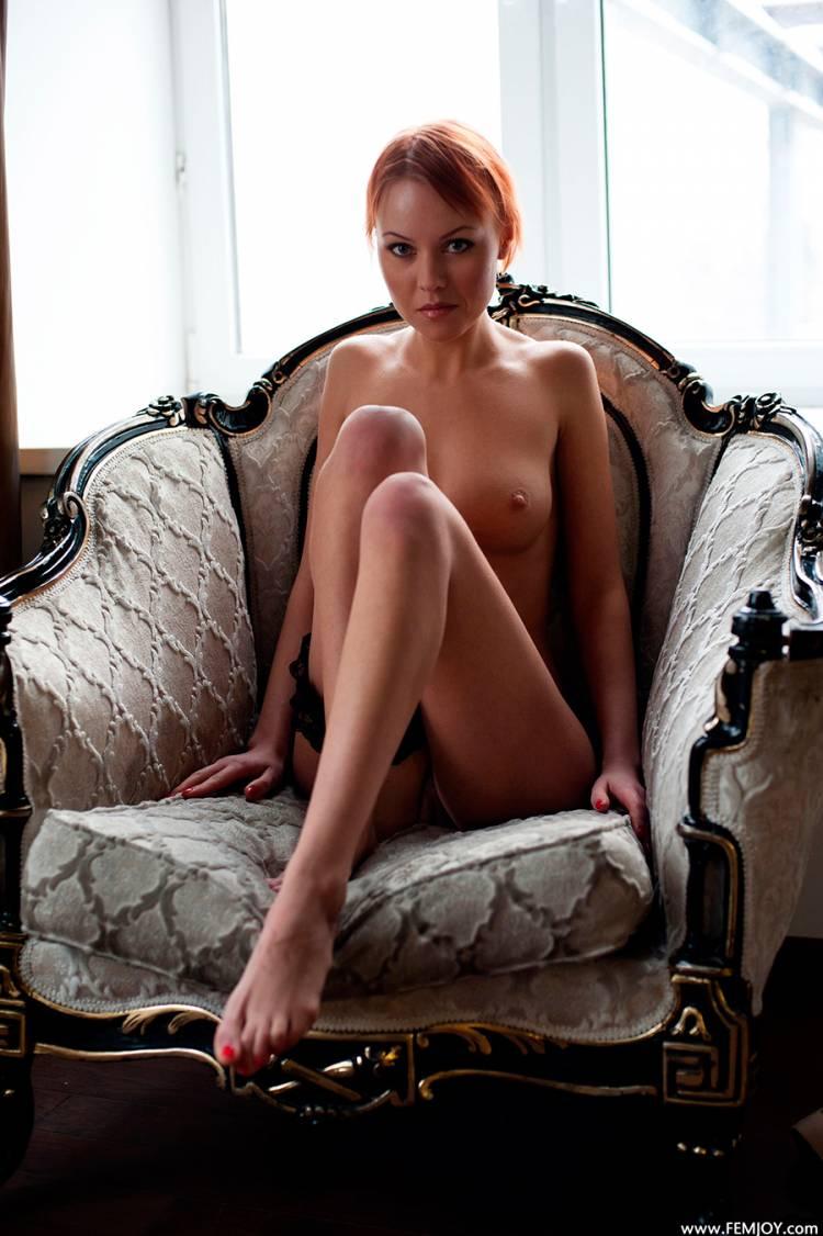 Рыжие небритые голые девушки 21 фотография