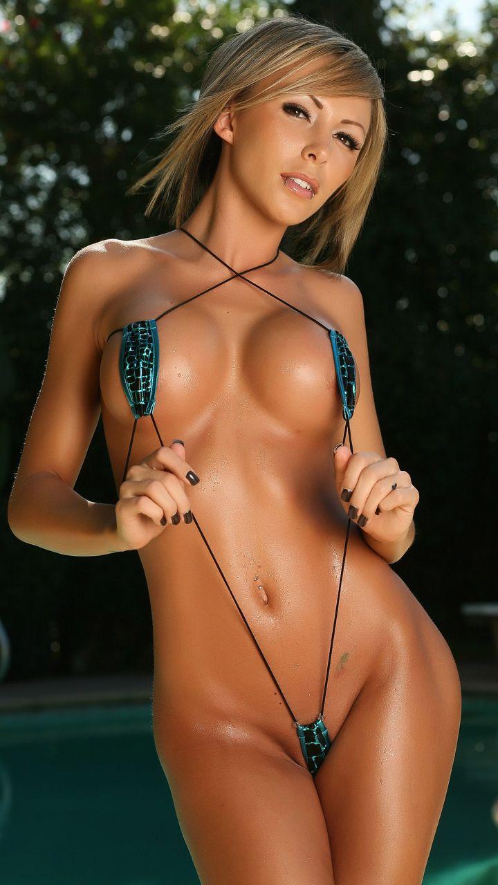 erotika-devushki-v-mini-bikini
