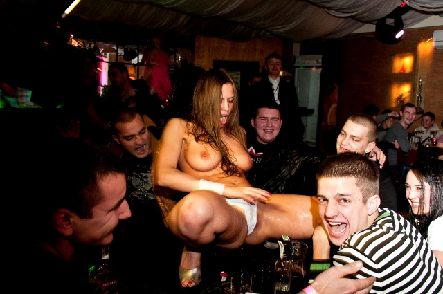 eroticheskie-nochnie-klubi