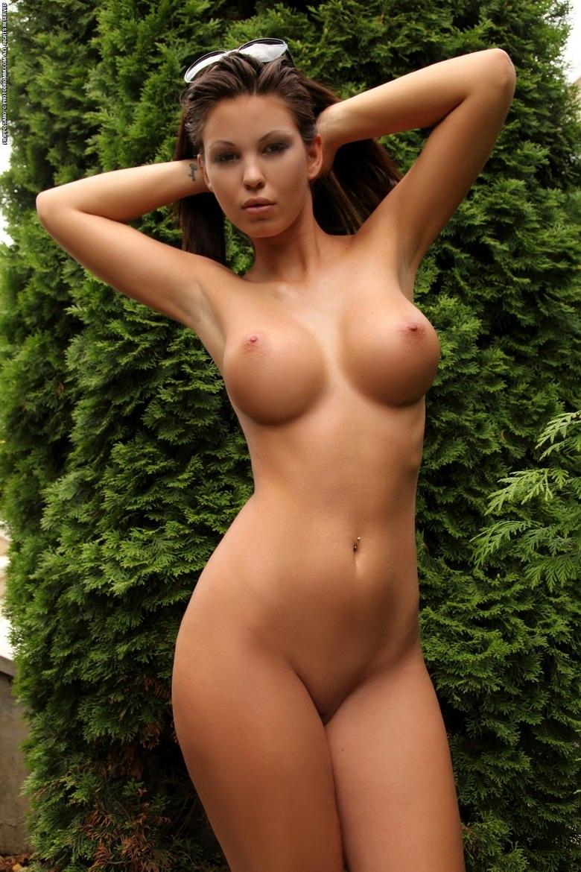 Шикарные гламурные голые девушки 27 фотография