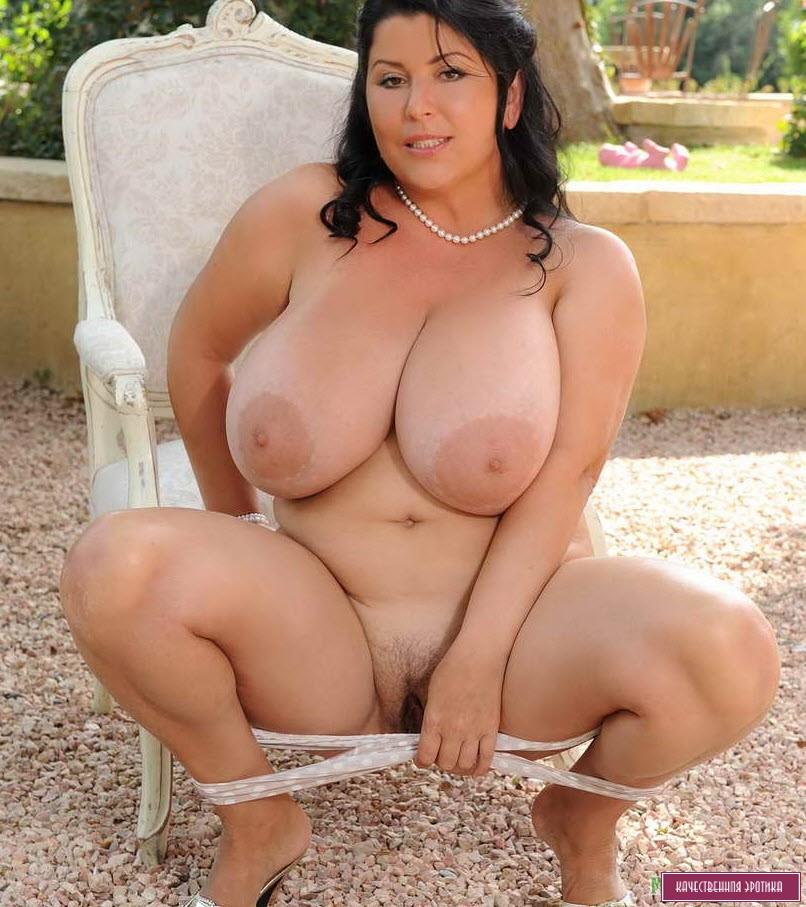 фото голых баб с гигантскими дойками