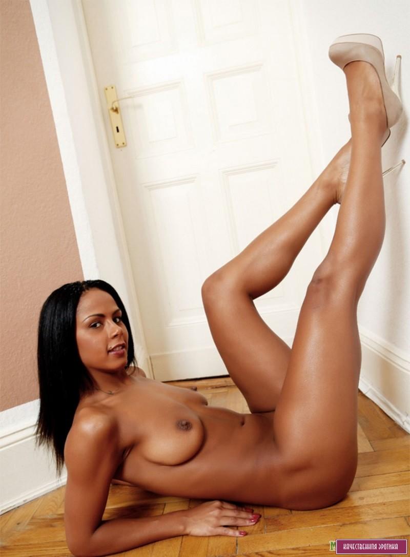 Сексуальные голые бразильские девушки  Частное фото