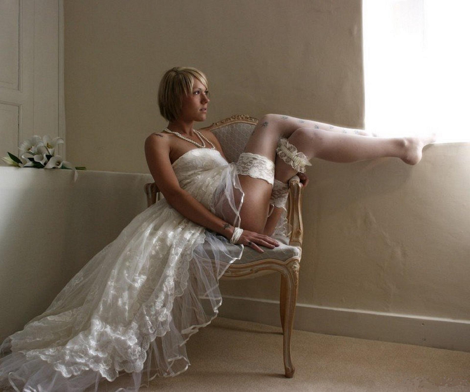 Голая невестка
