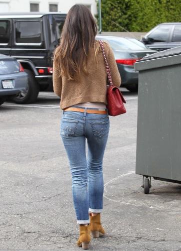 сочные попки в джинцах