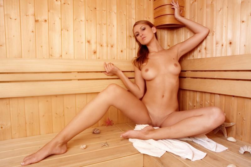 fotografii-golih-devushek-v-saune