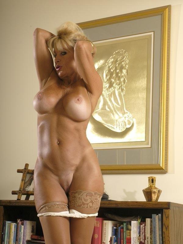 Просто красивые зрелые голые женщины моему