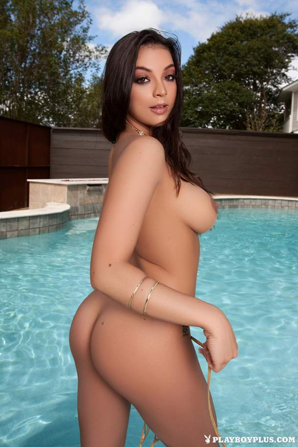 Kelsi Shay – Wet and Wild