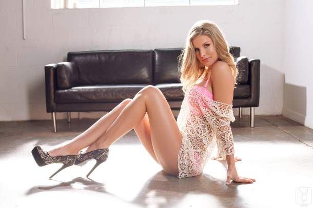 Kimber Cox – Legs For Days