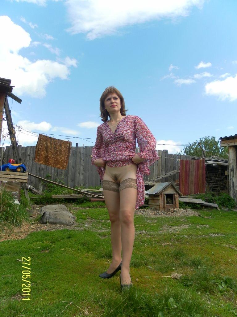 без трусиков в деревне фото любительское