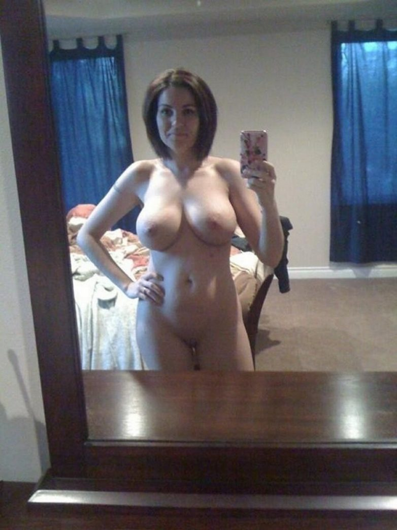 selfies mom nude Real amateur