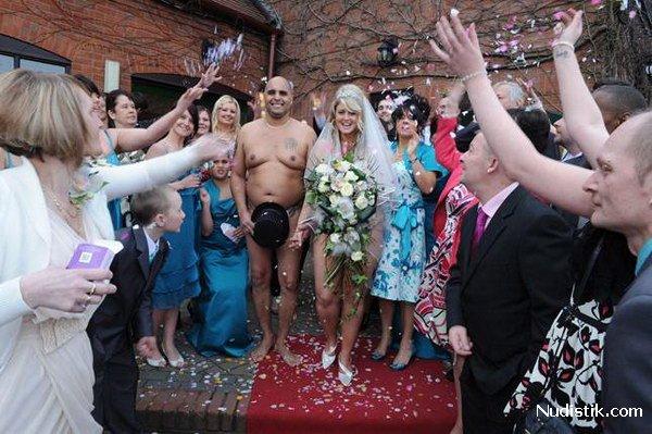 svadba-nudistov-foto