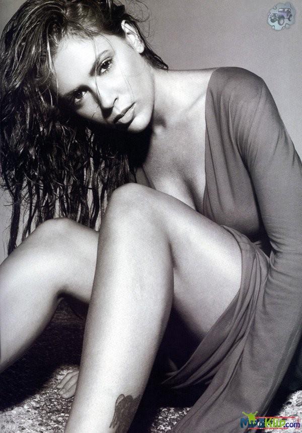 алисия милано новое фото голая в фильмах и на море глаза