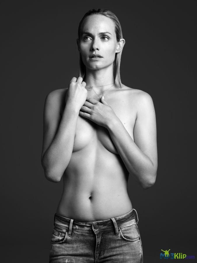 Amber valletta naked pics #14