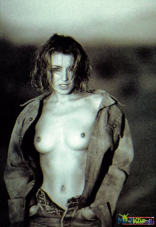dannii-minogue-ass-was-griffin-with-big-boobs-nude
