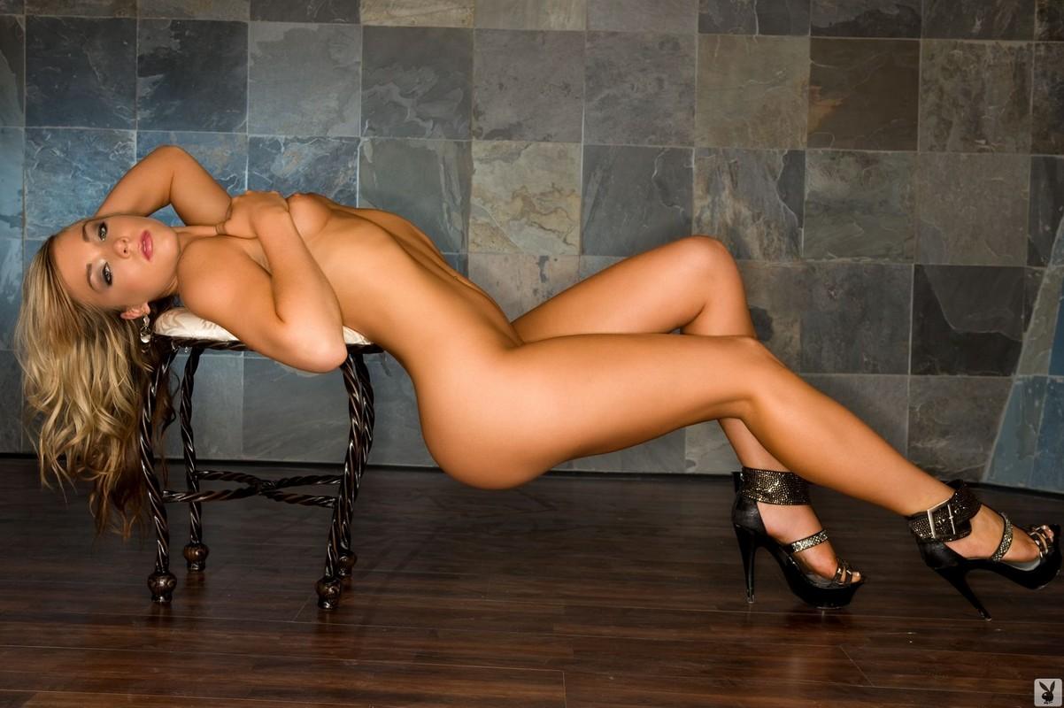 ero-foto-inostranki-porno-russkaya-gospozha-i-gospodin-pisayut-na-raba