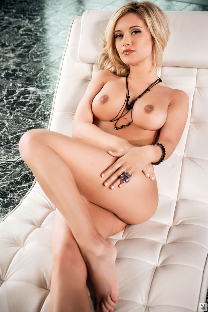 Horny Carlie Christine Poses Sitting In A Hot Whirpool