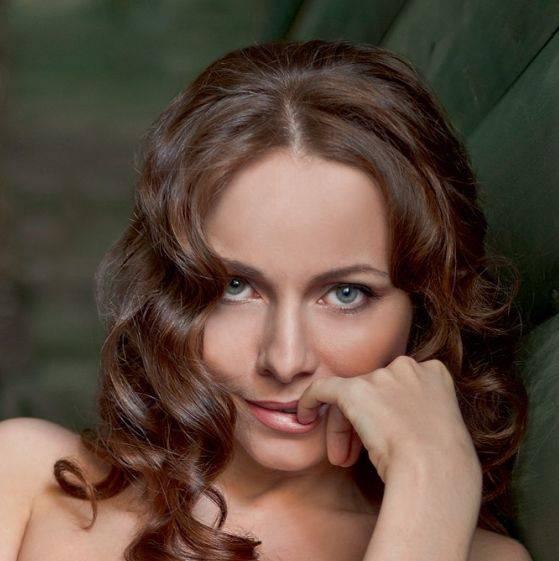 Фото обнаженной екатерины гусевой, смотреть полнометражные фильмы секс учеба