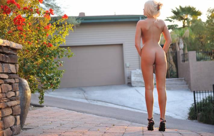 Horny Tall Blonde Natali Blond Shows Nice Ass Before Climbing Aboa Photos 1