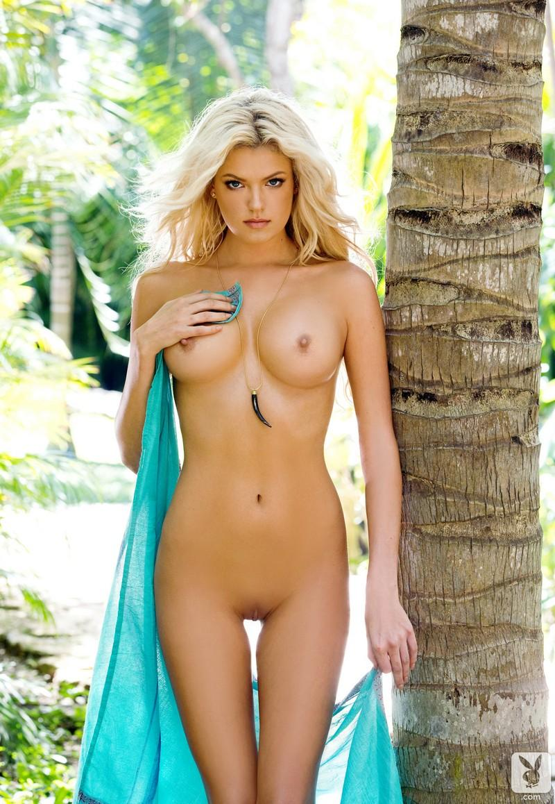 Nicole hilton naked, vikki blows naked vagina