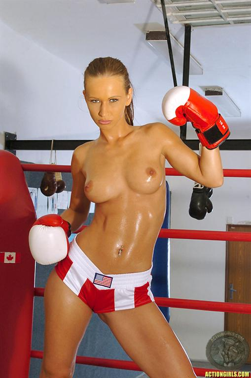 nude-boxing-model