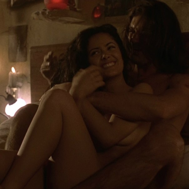 Salma hayek and antonio banderas sex scene — photo 9