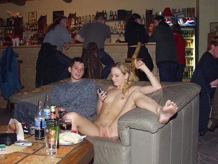 Бухие телки с парнями, жена посадила мужа на страпон