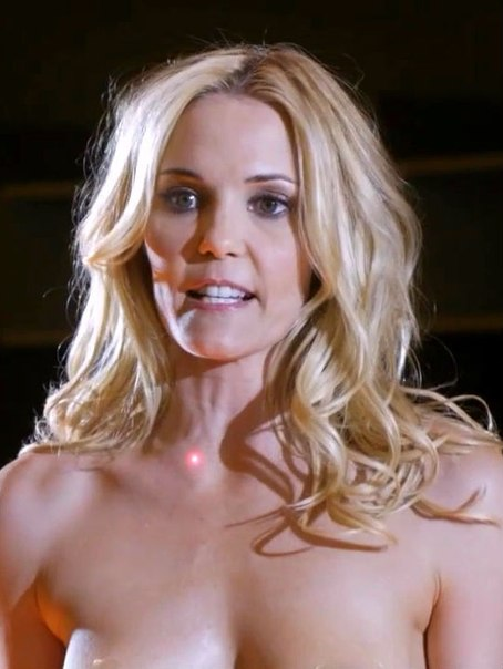 Leslie bibb shows off her nude slim body in images