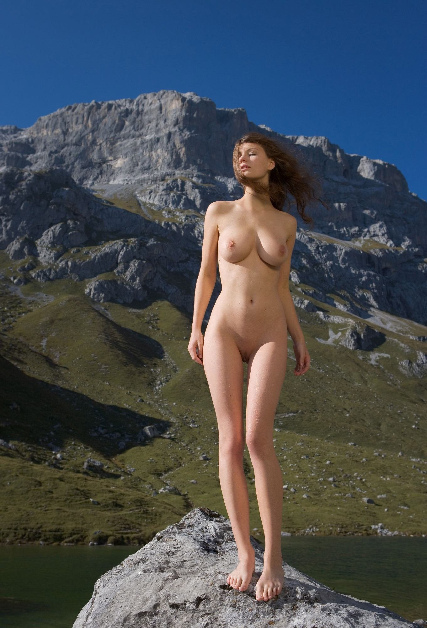 The Golden Nude Girl Sunbathing In Slovenian Mountains Free Full Hd Photo