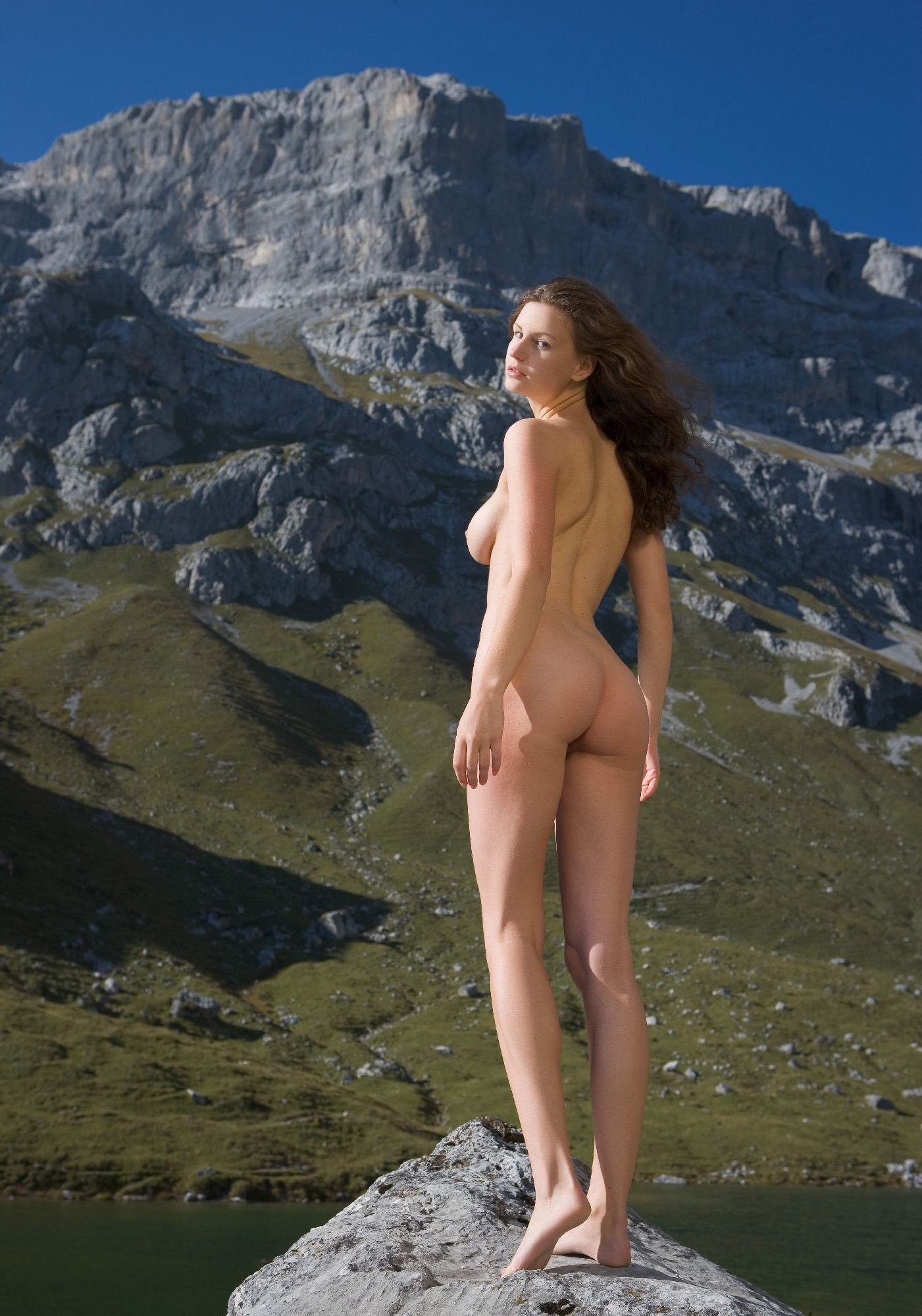 african-aunt-naked-mountain-beauties