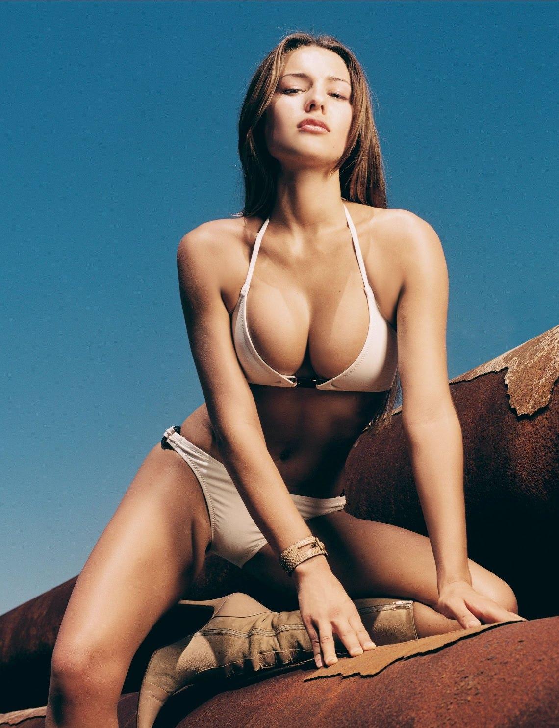 Carolina Ardohain Nude, Naked