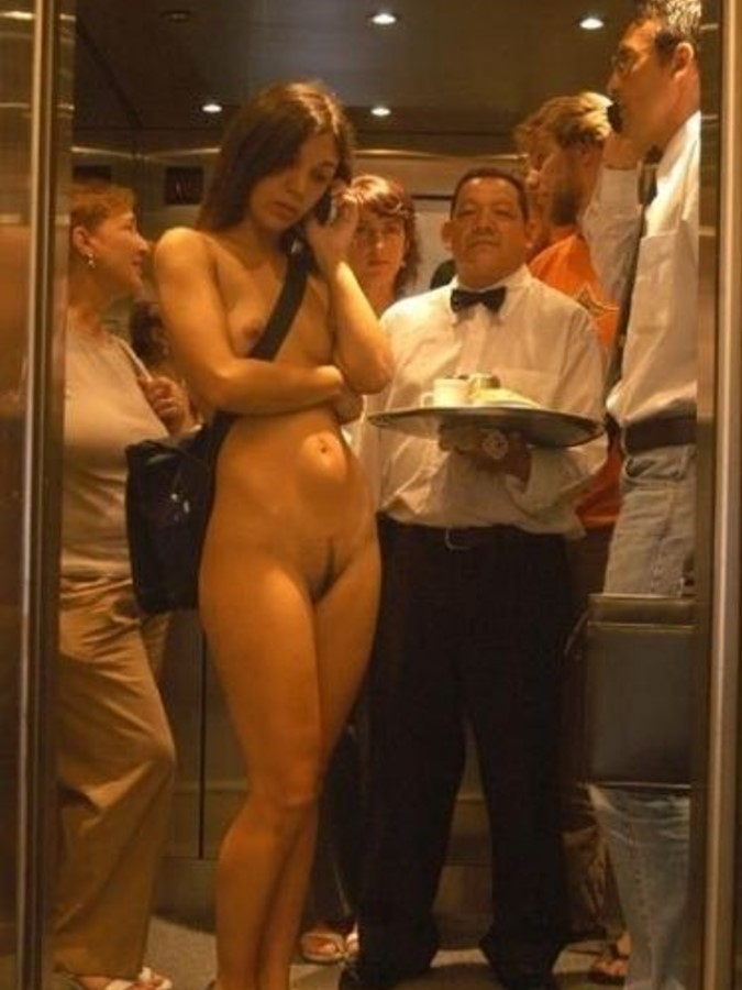 полуголая девушка устроила стриптиз в лифте видео - 5