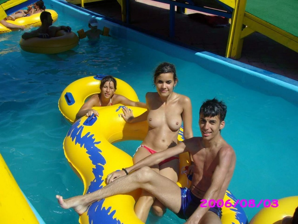Sexy black sex at the water park — pic 4