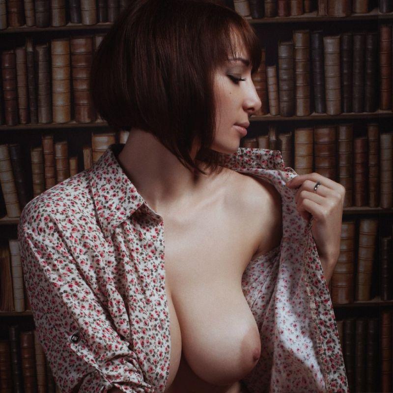 Женщина в рубашке эротика валентин
