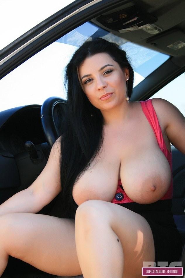 beautiful-nude-armenian-women-with-huge-tits-black